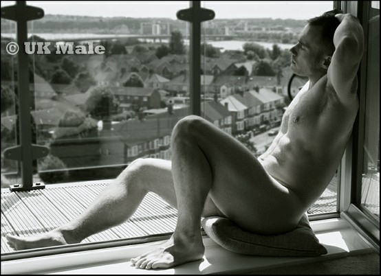 Balcony breeze...; Men
