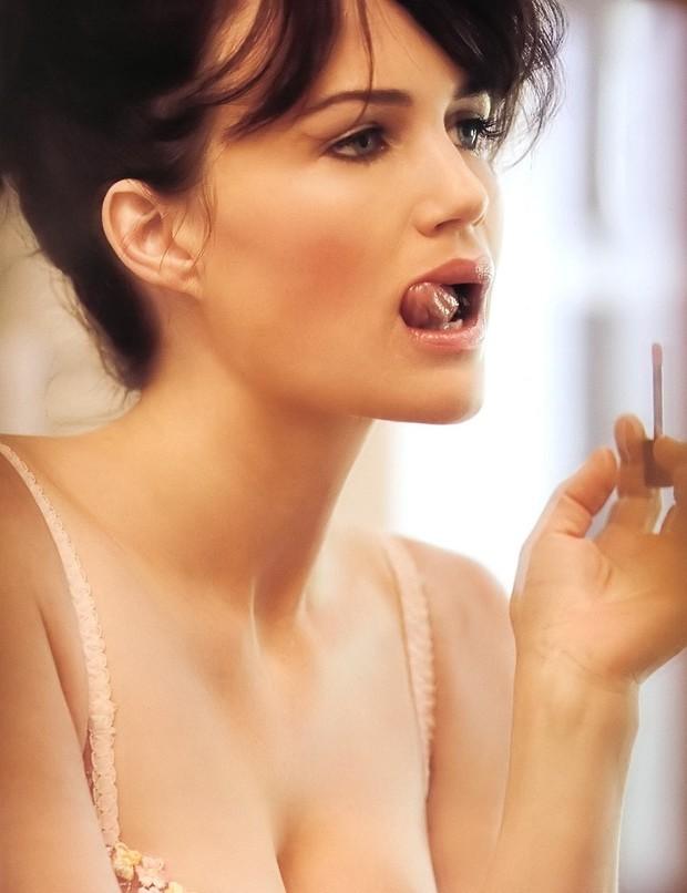 Carla Gugino; Babe Big Tits Brunette Celebrity Lingerie Non Nude