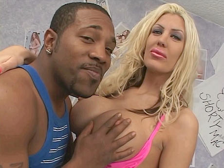 Blonde MilF Interracial Anal Fick