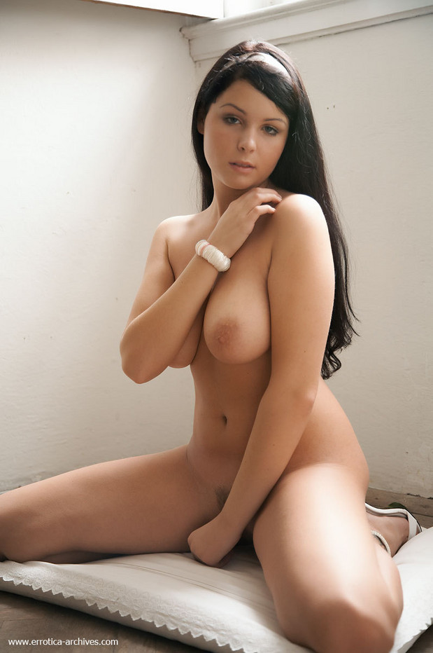 Brunette big natural boobs for