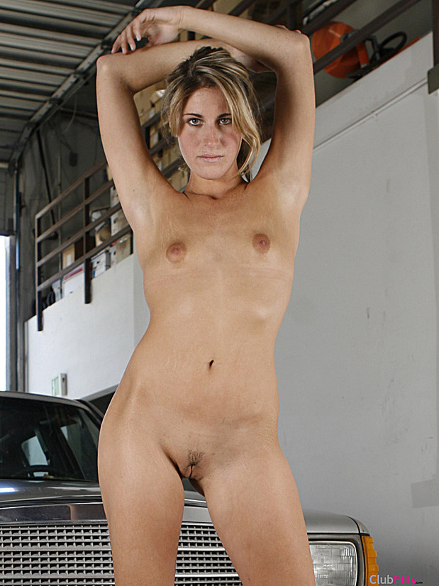 girls nude in the garage