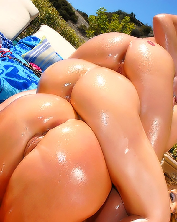 Oiled ass babes