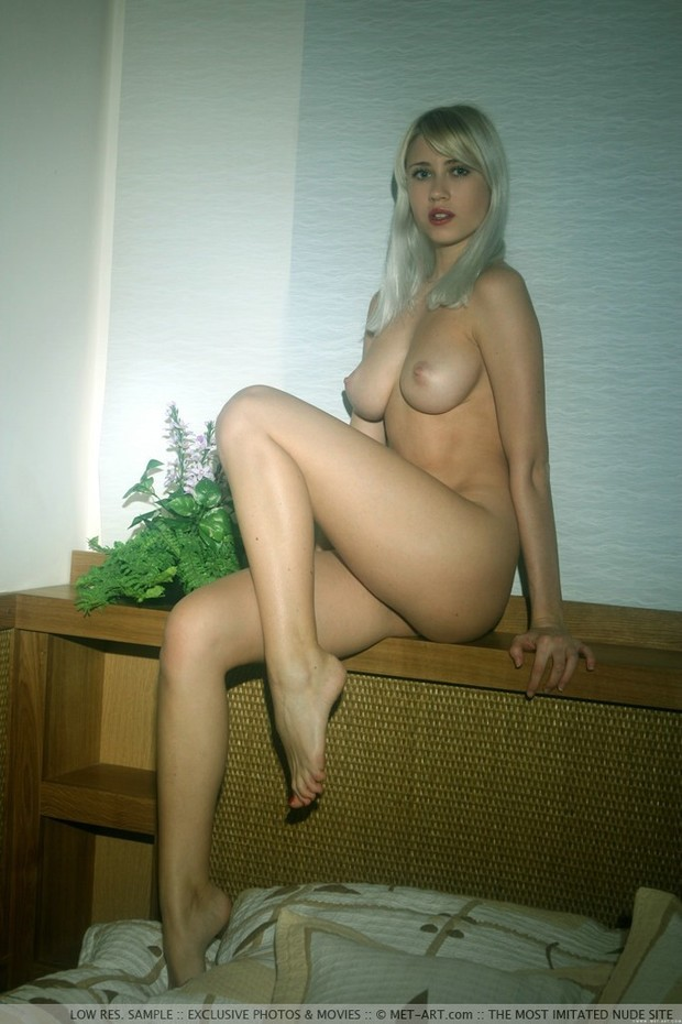 helenalive nude