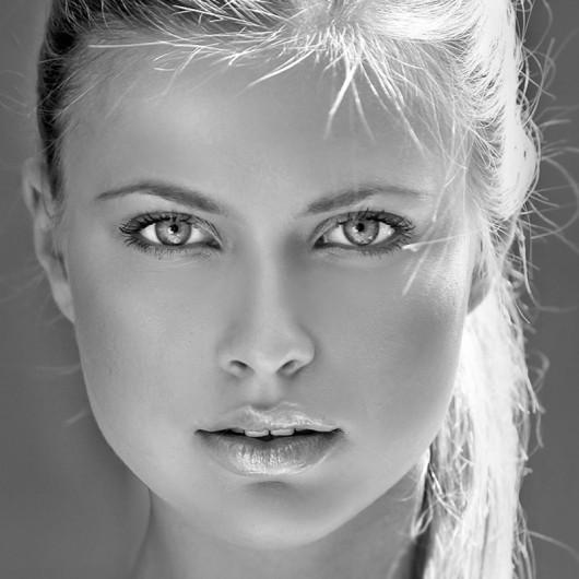 photo Babe Blonde Eyes Face Glamorous Model Non Nude Teen 429641079 Mistress Phone Sex   CallaMistress.com