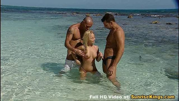 Hard sex on the beach, using bottom line thread