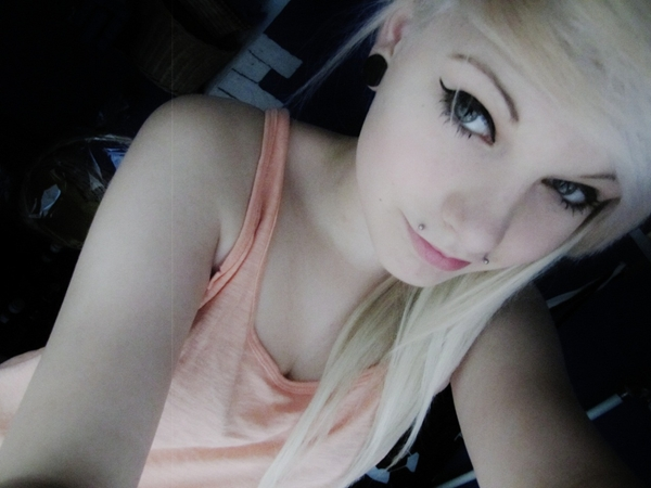 10 out of 10 Girls; Amateur Babe Teen Emo