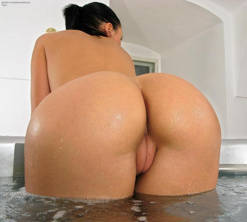 hot-rounded and well-oiled ass seeking a big dick...; Anal Ass Teen Beach Pussy