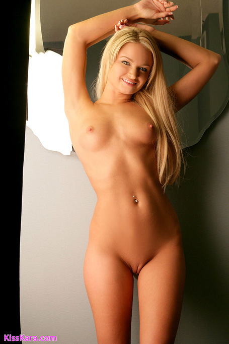 Curly naked model fucking