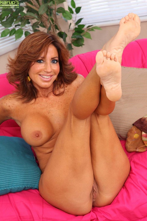 big tits feet Mature