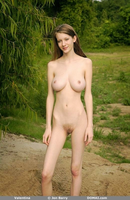 thin-girl-with-busty-boobs-nude