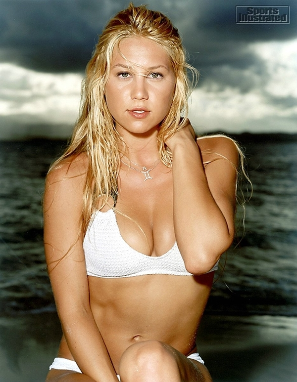 Wallpapers-Heaven • Anna Kournikova in white bikini; Babe Big Tits Celebrity Teen Hot